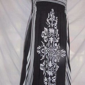 Women's Black And White Summer Dress Size XL